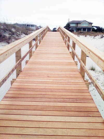 garapa-beach-boardwalk
